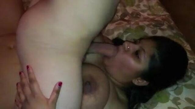 ग्लैमर बेब सेक्सी मूवी हिंदी वीडियो उसकी ब्रा और जाँघिया से अलग करना