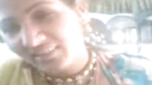 परिपक्व झूलों के तीन फुल सेक्सी फिल्म वीडियो में जोड़े