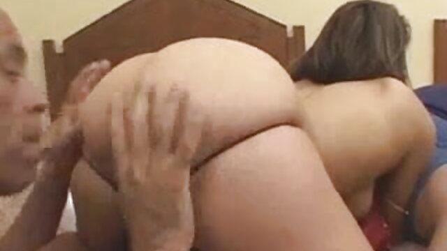 एक पैंटी प्ले सेक्सी मूवी न्यू दृश्य में ब्रिटिश फूहड़ टैमी