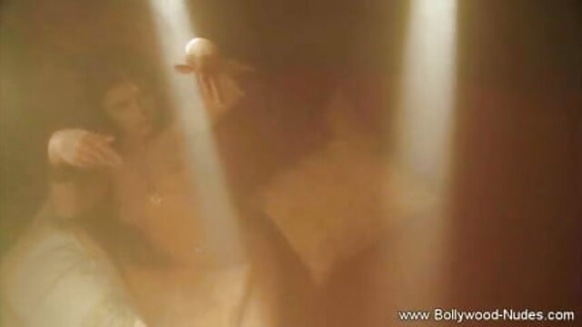 बड़े सेक्सी फिल्म भोजपुरी मूवी स्तन किशोर जॉय