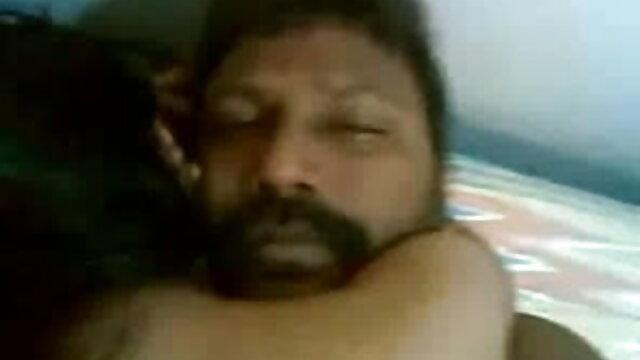 उनके जीवन में मसाला। हिंदी में सेक्सी मूवी वीडियो में