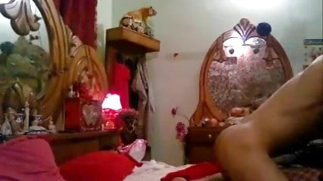 मेरे साथ एक्ट्रेस सेक्सी मूवी मेरे बिस्तर में