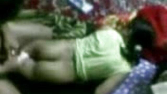 शौकिया श्यामला सिर दे रही सेक्स फिल्म हिंदी मूवी है