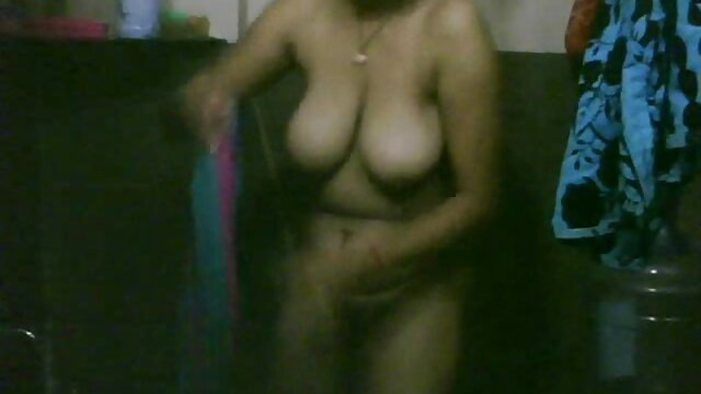 सींग का बना हुआ, माँ युवा लड़के ब्लू मूवी सेक्सी इंडियन के साथ गुदा चाहते हैं।