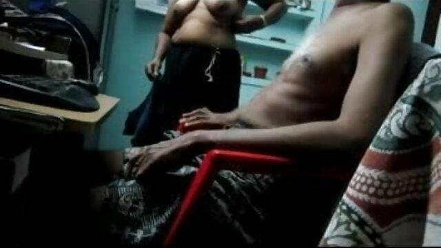 गधा सेक्स हिंदी मूवी कमबख्त त्रिगुट में चिकी इंहेल्स कोक