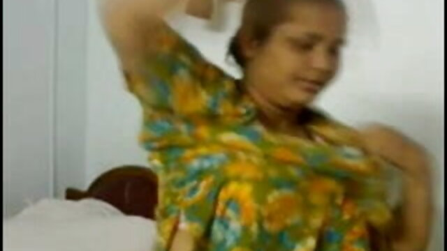 बाहर हिंदी सेक्सी मूवी वीडियो में दरवाजा सेक्स