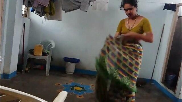 ava devine को मिलता है पिज़्ज़ा बॉय हिंदी मूवी फिल्म सेक्सी