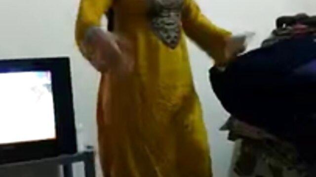 पत्नी काले स्टड के साथ फुल सेक्स हिंदी मूवी हुकिंग